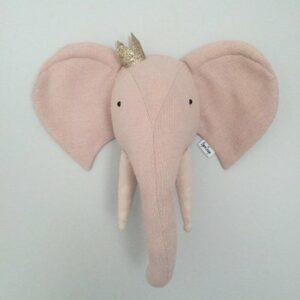 Elefantenkopf mit Krone