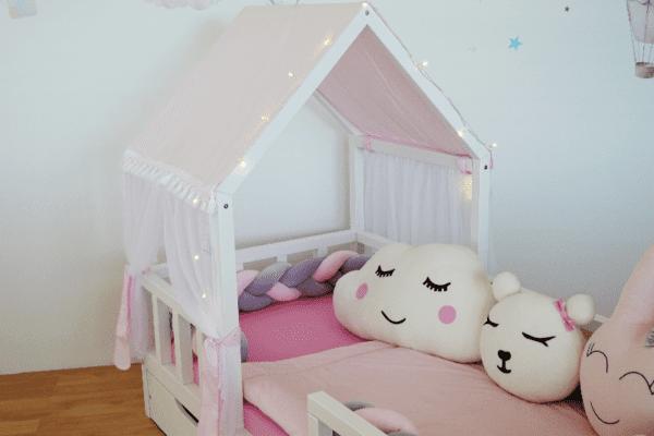 Kinderbett Haeuschen1