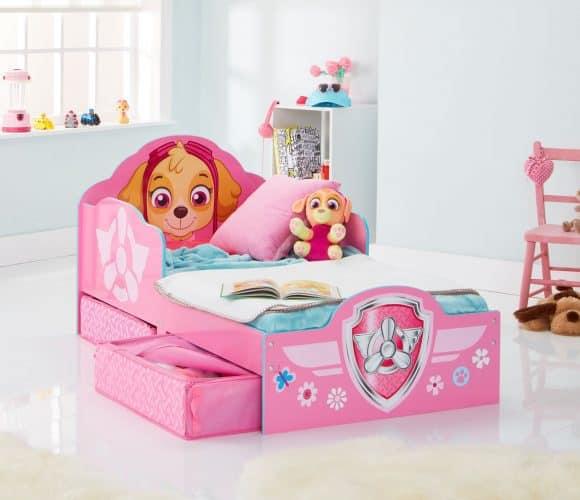 mdchen bett fabulous metallbett x wei ikea und inkl nachttisch mit regale fr mdchen bett design. Black Bedroom Furniture Sets. Home Design Ideas