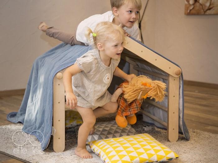 Kleinkind Klettert Dreieck : Pikler dreieck wandelbar neu online kaufen in der kinderspielewelt.ch