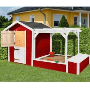 Spielhaus mit Sandkasten